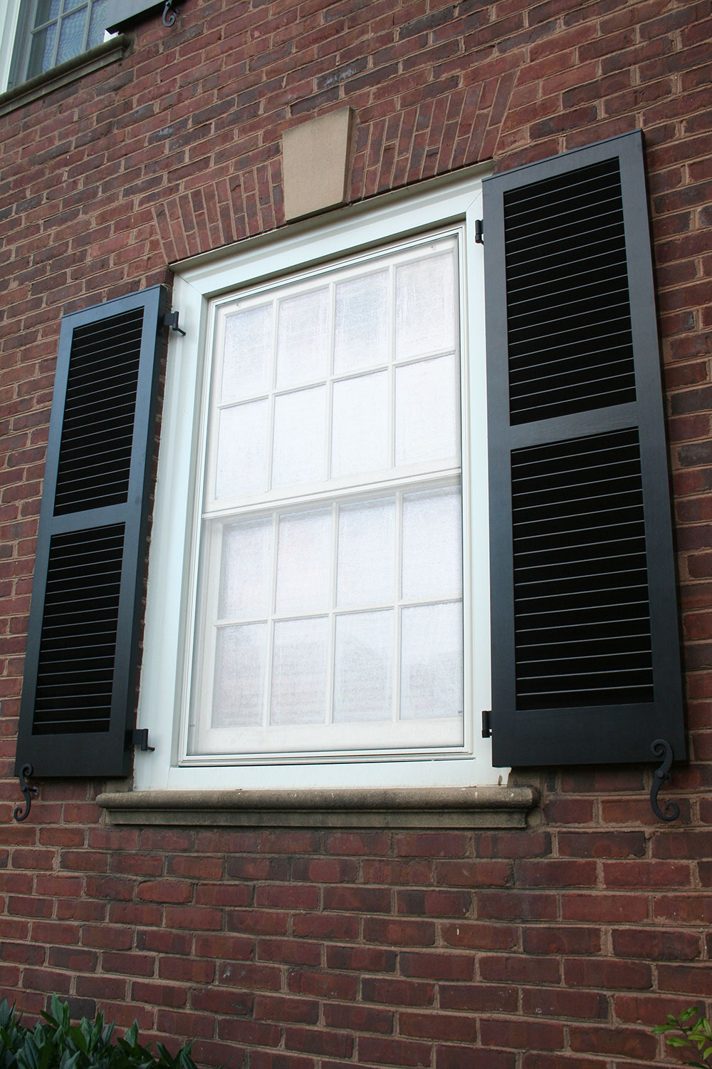 Exterior Shutters: Exterior Shutter PhotosPerfect Fit Shutters
